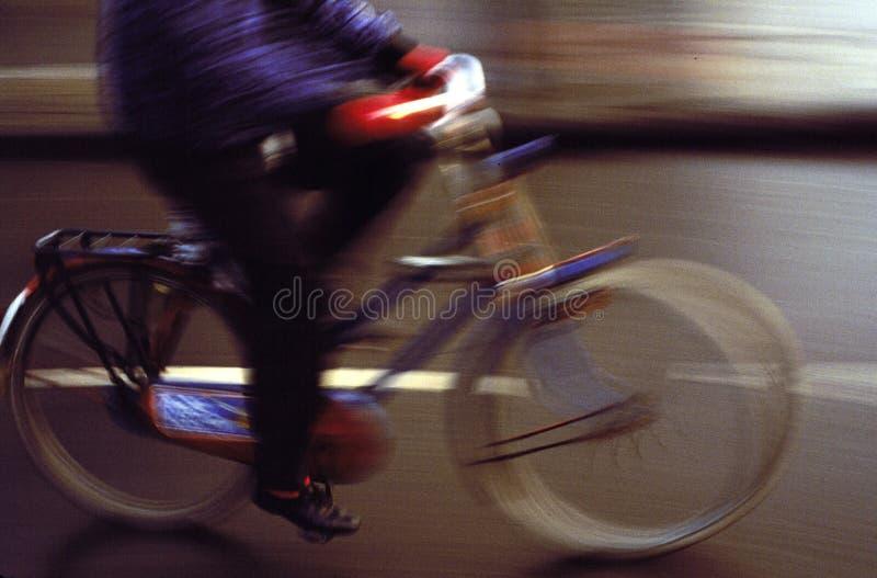 Estudio de movimiento del Bicyclist fotos de archivo libres de regalías