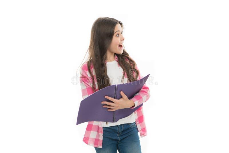 Estudio en escuela Hora de estudiar Fondo blanco del libro del control de la muchacha Concepto de la librer?a Literatura interesa imagen de archivo libre de regalías