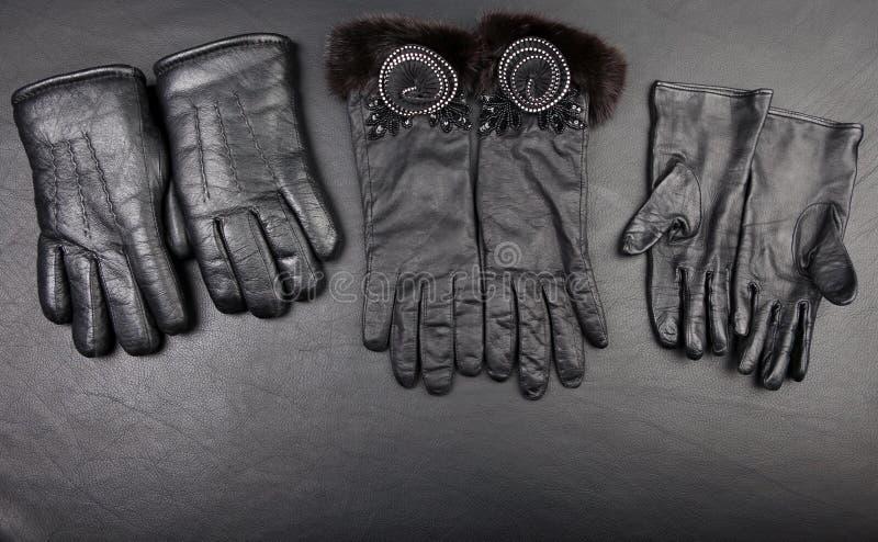 Estudio negro de los guantes de cuero fotos de archivo libres de regalías
