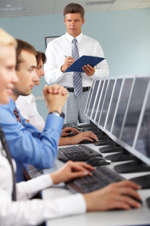 Estudios por computadora imagen de archivo