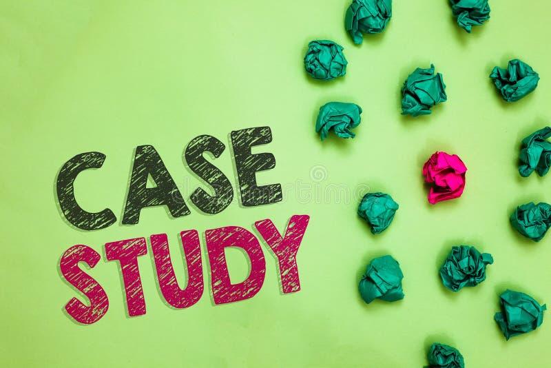 Estudo de caso da exibição do sinal do texto O assunto conceptual da foto à ser discutido e relacionado ao assunto Crumpled enrug ilustração stock