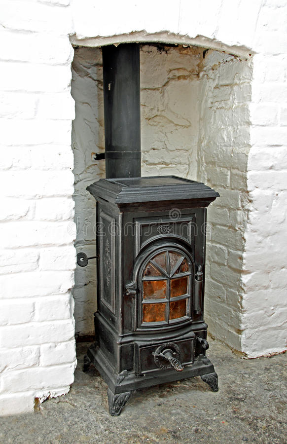 Estufa ardiente de madera del Victorian imágenes de archivo libres de regalías