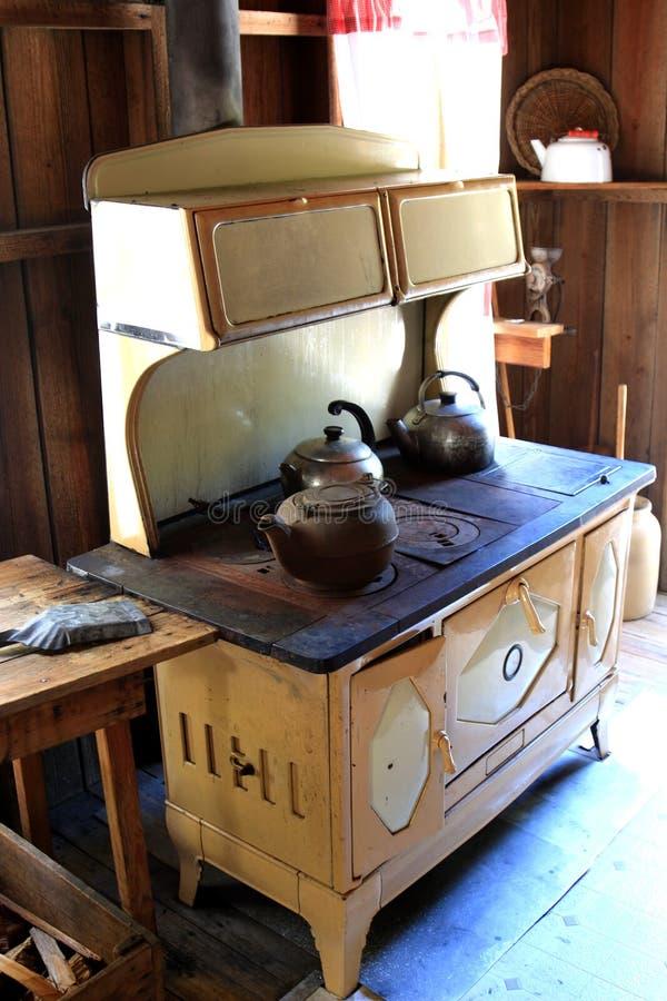 Estufa de cocinar de madera del vintage foto de archivo
