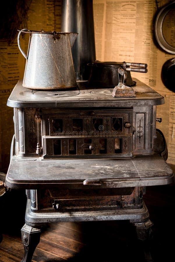 Estufa del hierro del vintage foto de archivo