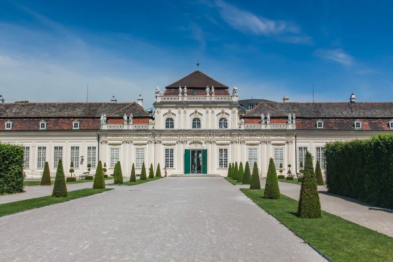 A estufa para cultivo de laranjas, abaixa jardins do palácio do Belvedere, Wien, Viena, Áustria fotografia de stock