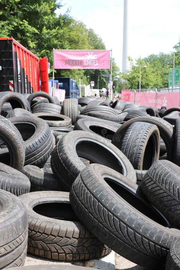 Estugarda, Alemanha - 21 de julho de 2019: Muddy Angels Run Obstacle imagens de stock