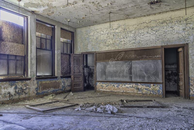 Esvazie a escola abandonada Urbex de Detroit fotos de stock royalty free