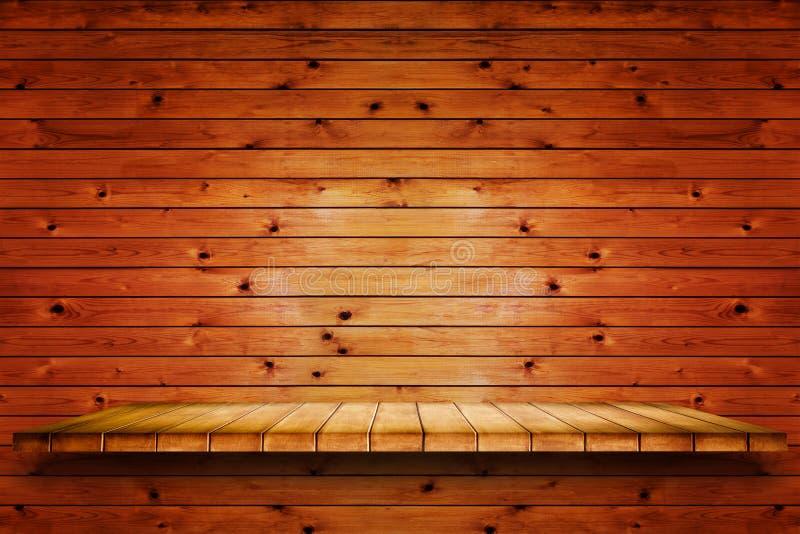 Esvazie a prateleira de madeira no fundo de madeira velho da parede imagem de stock