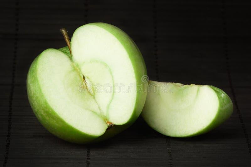 Esverdeie a maçã imagens de stock