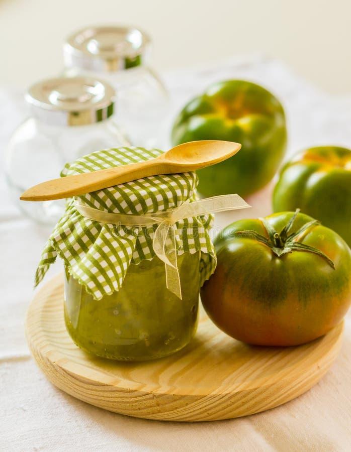 Esverdeie o chutney do tomate fotografia de stock royalty free