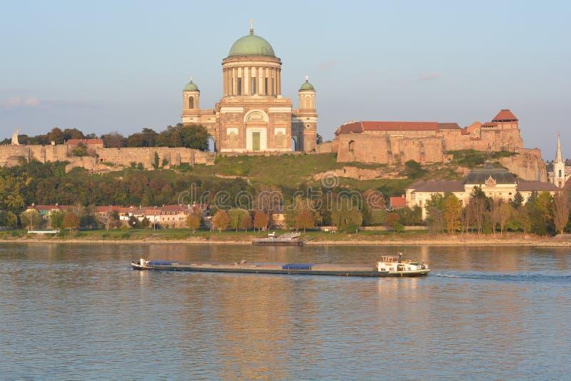 Esztergom basilika (Ungern) arkivbilder