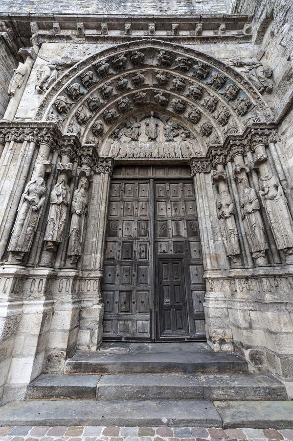 Etampes - церковь стоковые фото