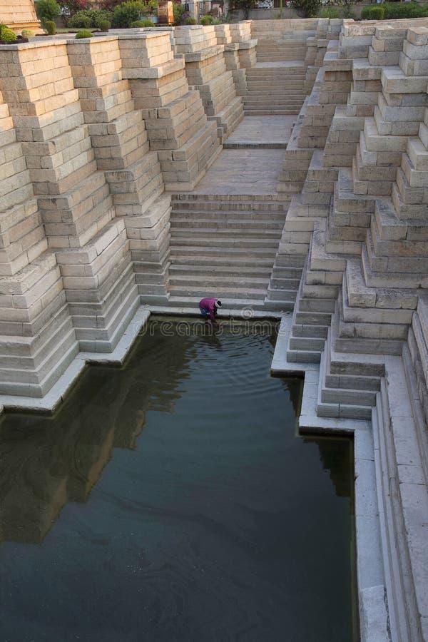 Etapa bem, templo de Mahadeva, Itgi, estado de Karnataka, Índia fotos de stock royalty free