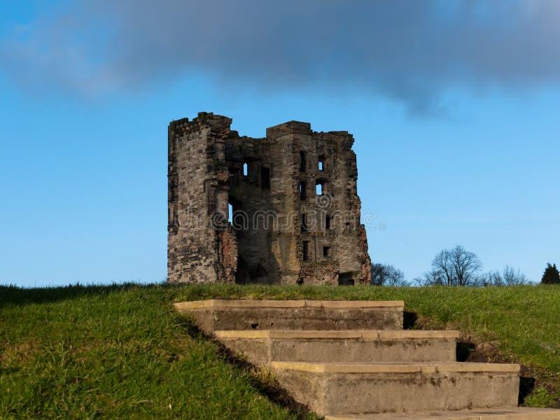 Download Etapas do castelo foto de stock. Imagem de inglês, paisagem - 12804184