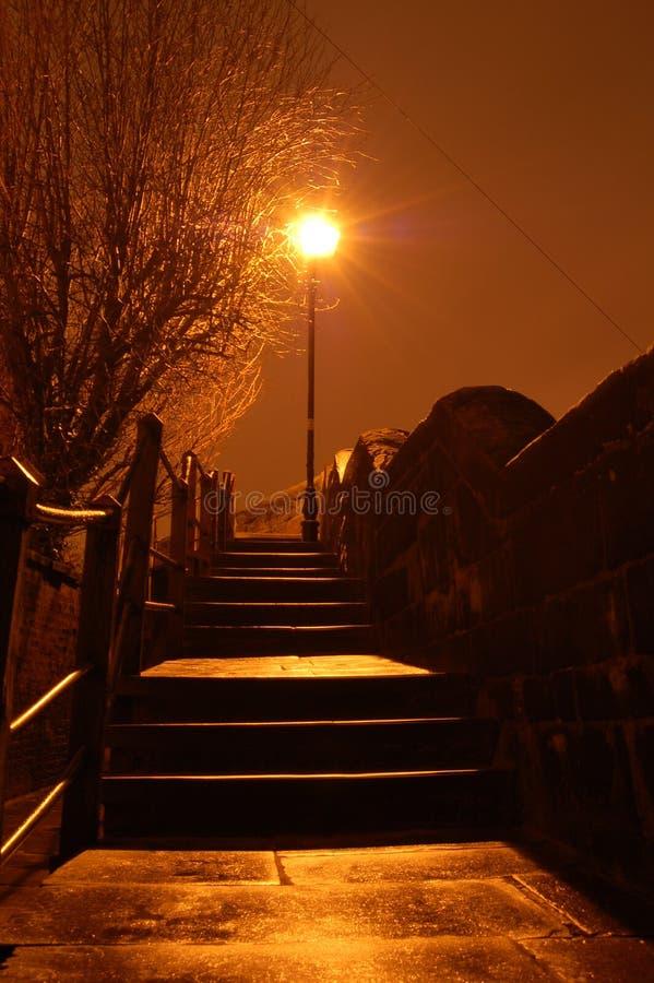Etapas na noite foto de stock