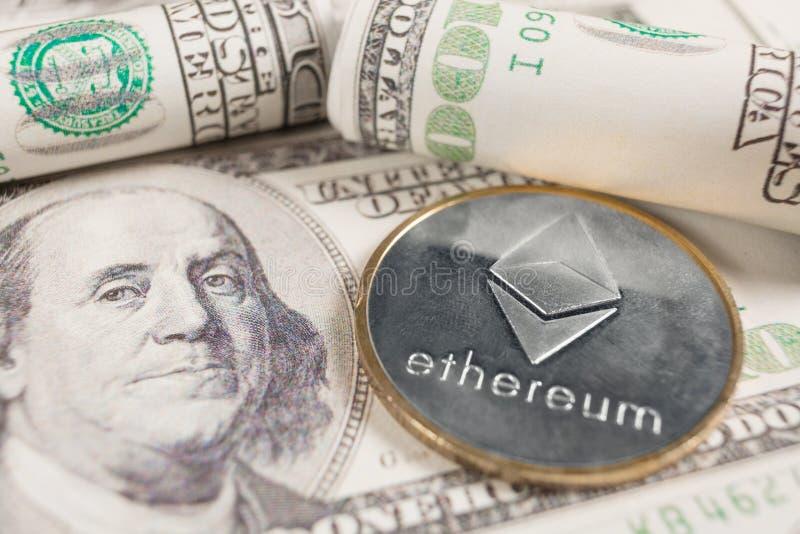 Etere con il fondo delle banconote in dollari immagini stock