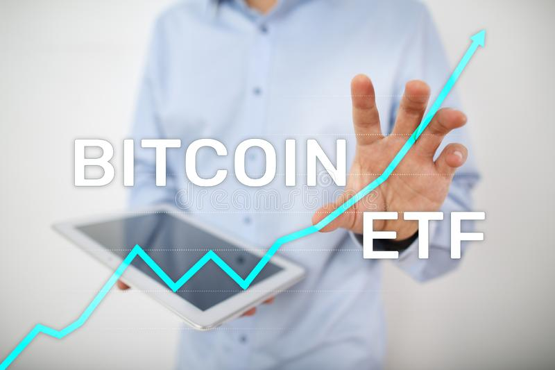 ETF Bitmoeda, conceito de fundo e criptomoedas negociado no Exchange em tela virtual imagens de stock