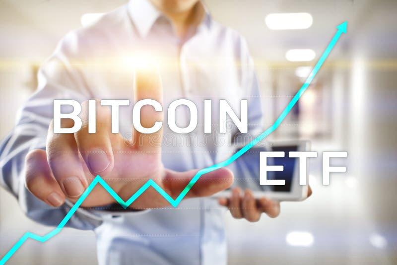ETF Bitmoeda, conceito de fundo e criptomoedas negociado no Exchange em tela virtual foto de stock royalty free