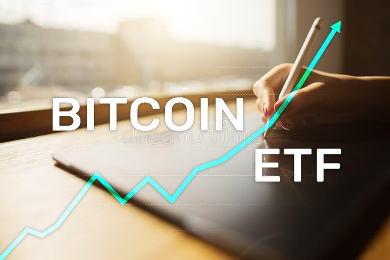 ETF Bitmoeda, conceito de fundo e criptomoedas negociado no Exchange em tela virtual imagem de stock royalty free