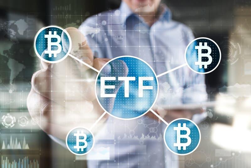 ETF Bitmoeda, conceito de fundo e criptomoedas negociado no Exchange em tela virtual fotografia de stock royalty free