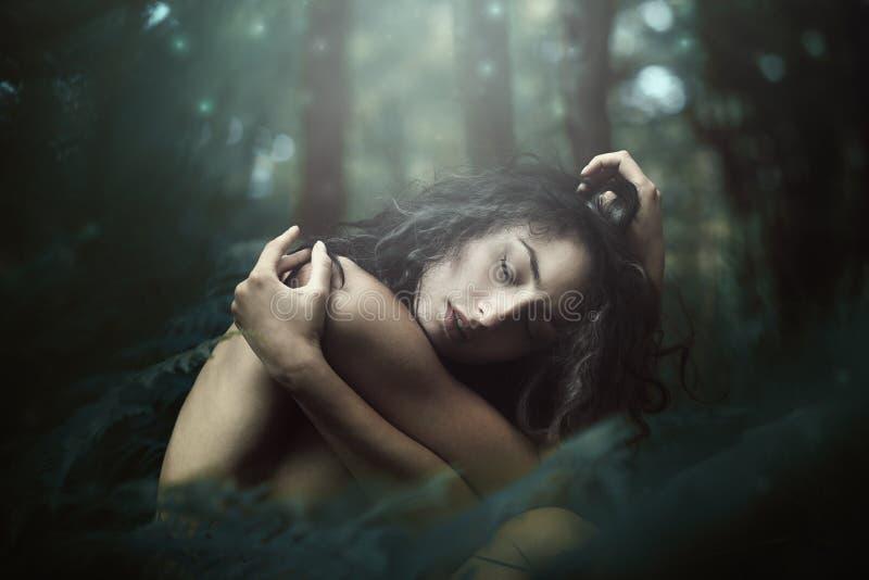Ethereal πλάσμα του μαγικού δάσους στοκ εικόνα με δικαίωμα ελεύθερης χρήσης
