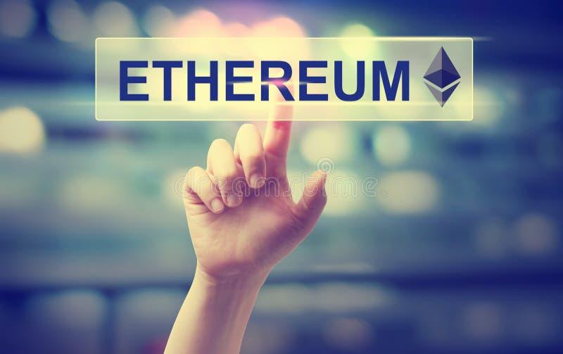 Ethereum avec la main appuyant sur un bouton photographie stock libre de droits