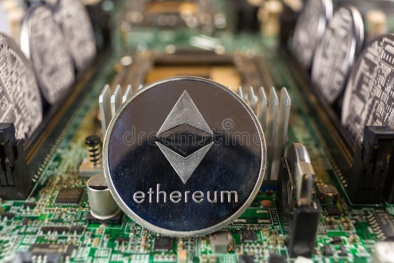Ethereum moneta na technologia obwodzie fotografia royalty free