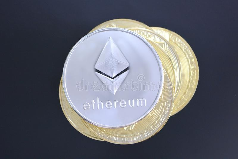 Ethereum na stosie inni cryptocurrency altcoins Crypto curr zdjęcie royalty free