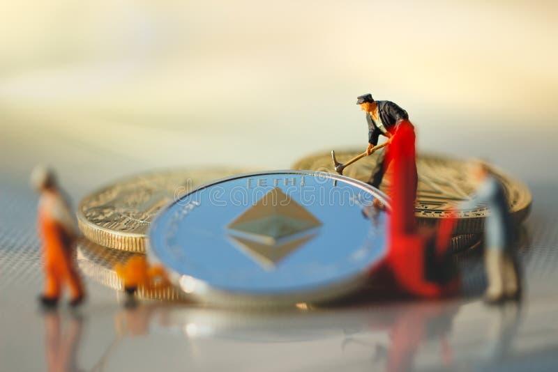 Ethereummijnbouw en virtuele cryptocurrencymijnbouw royalty-vrije stock foto's