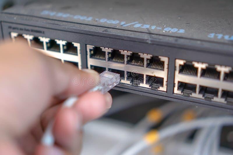Ethernet dźwigarka rj45 iść dalej tak daleko jak centrum zmiana fotografia stock