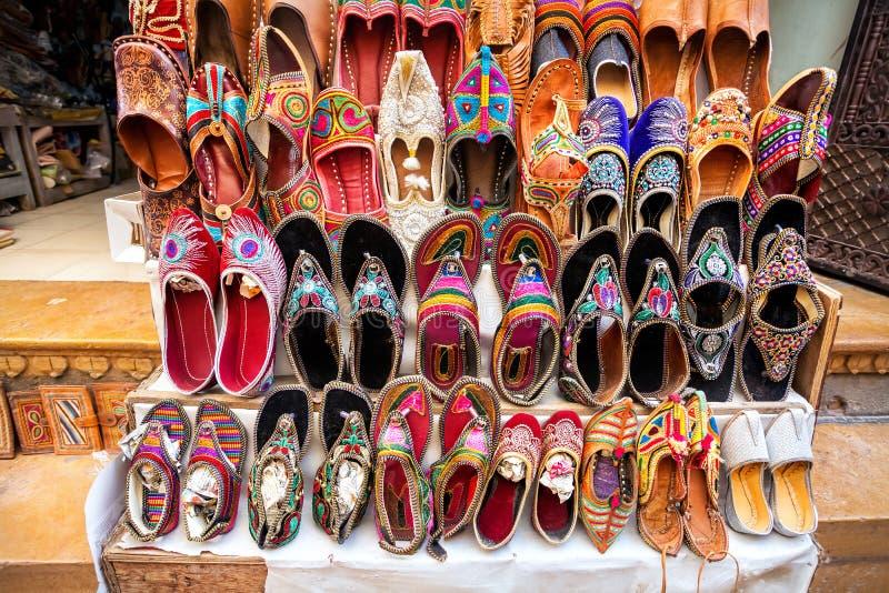 Ethnische Rajasthan-Schuhe stockbild