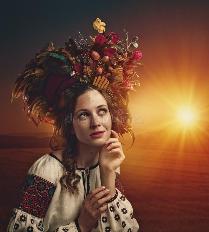 Ethno秀丽 美丽的妇女年轻人 图库摄影