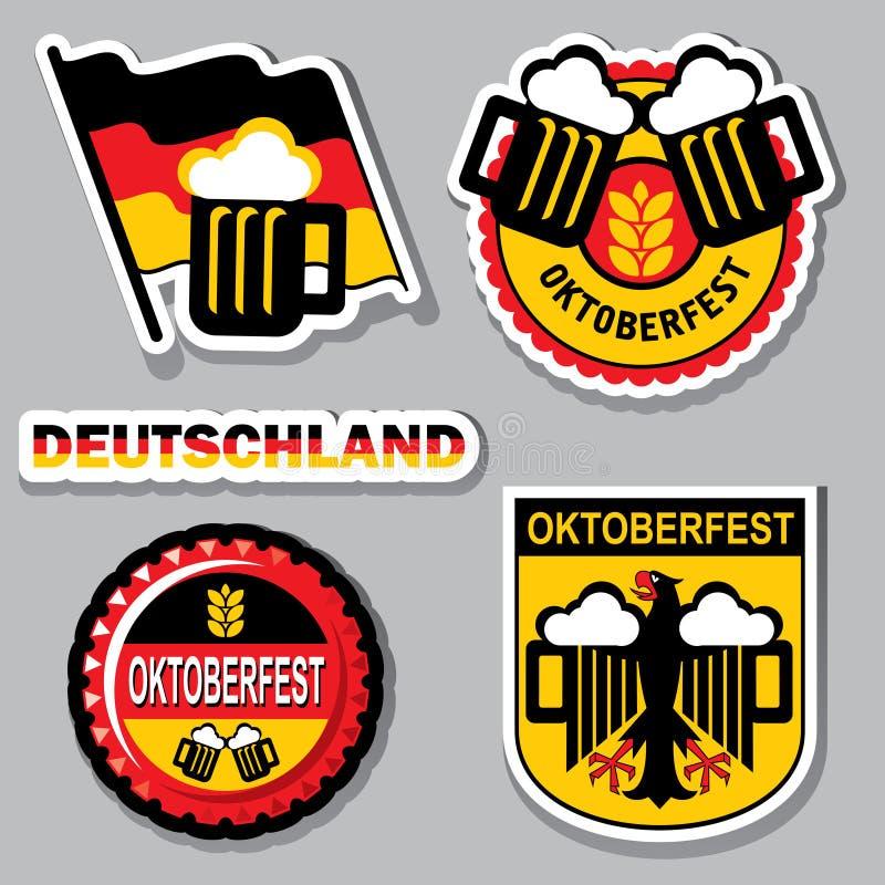 Etichetta di Oktoberfest Fondo della bandiera della Baviera con il rotolo per testo  isolato su bianco royalty illustrazione gratis