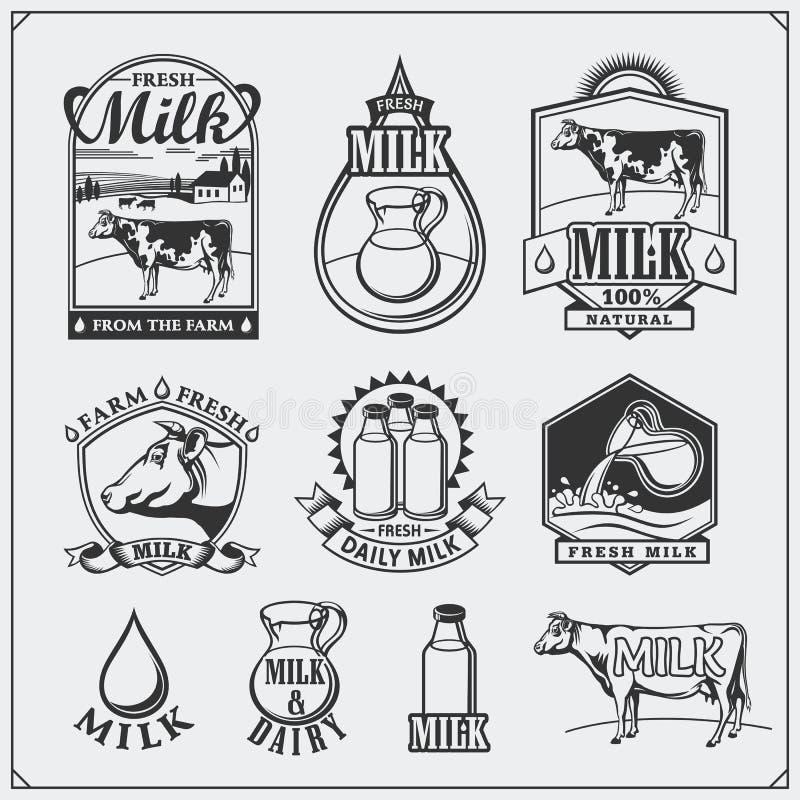 Etichette del latte del ` s della mucca, emblemi, icone ed elementi di progettazione Latte fresco dall'azienda agricola illustrazione di stock