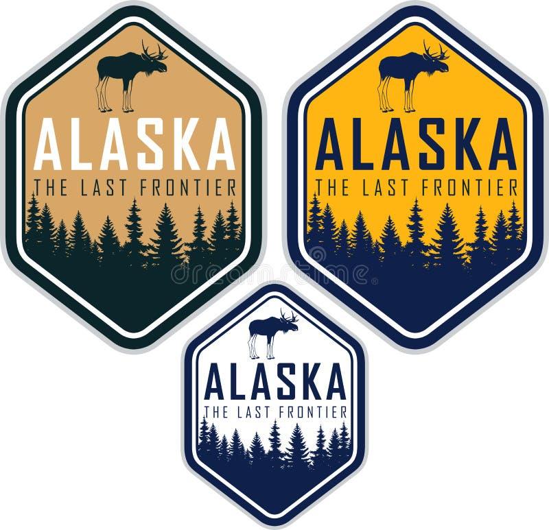 Etichette di vettore dell'Alaska con la foresta e le alci del terreno boscoso illustrazione vettoriale