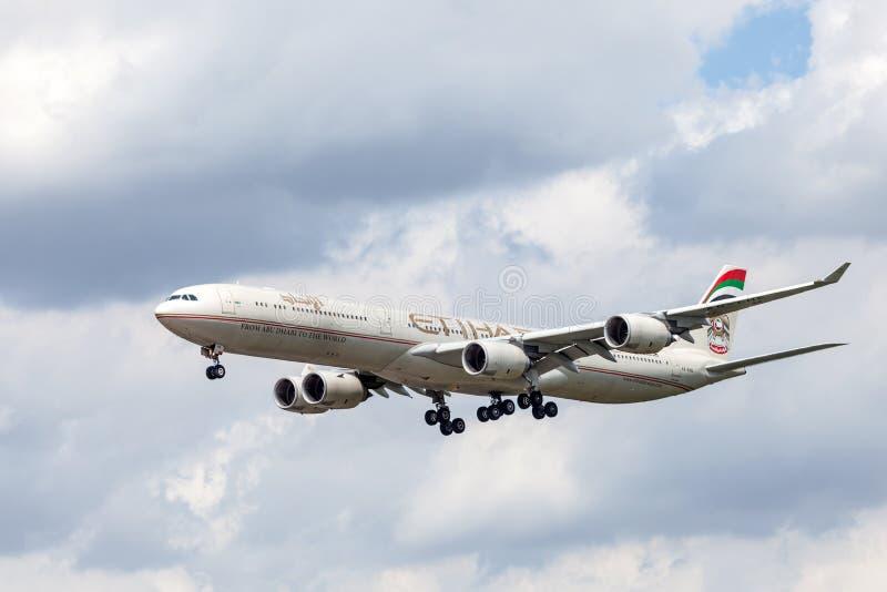 Etihad Airways Airbus A340 photo libre de droits
