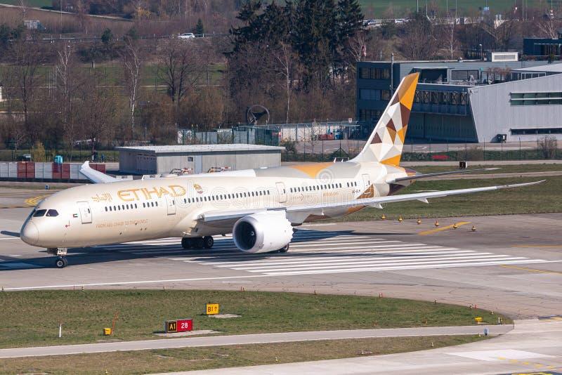 Etihad Airways Boeing 787 aeroplano a Zurigo fotografia stock