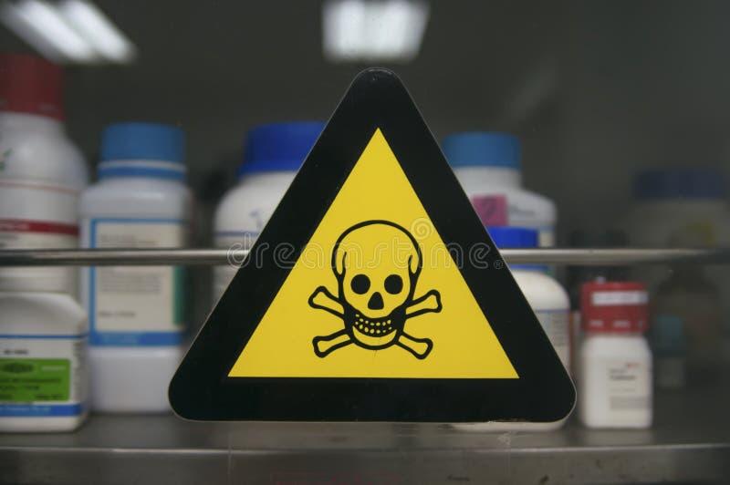 Etiket giftige chemische producten stock afbeeldingen