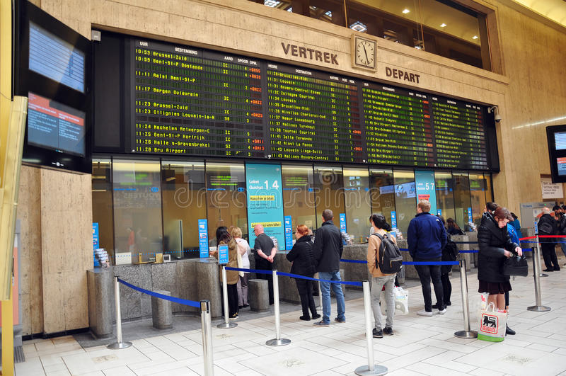 Etikettera korridoren på den Bryssel centralstationen fotografering för bildbyråer