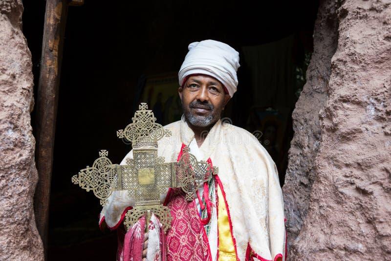 Etiopía, Lalibela, enero de 2015, monje etíope, EDITORIAL fotografía de archivo