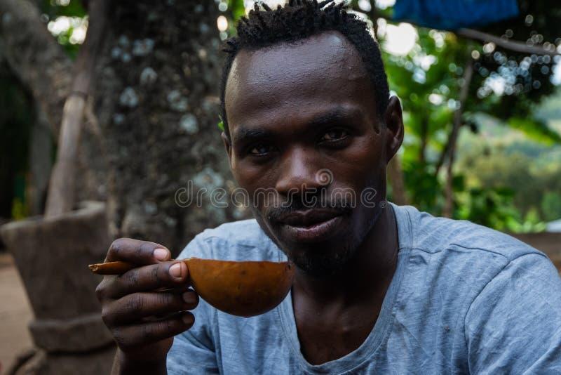 Etiopczyk pijący kawę zdjęcie stock