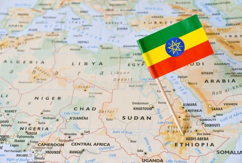 Etiopien flaggastift på översikt royaltyfria bilder