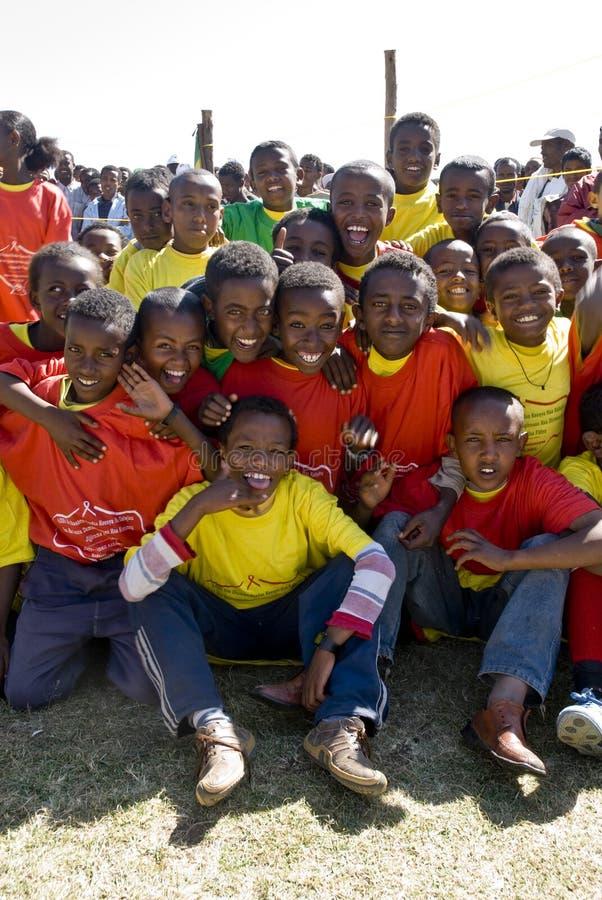 Etiopiska aktörer som firar världen, hjälper dag royaltyfria foton