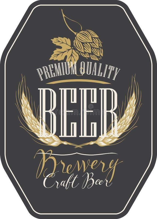 Etiqueta de la cerveza con los oídos, los saltos y las inscripciones del trigo ilustración del vector