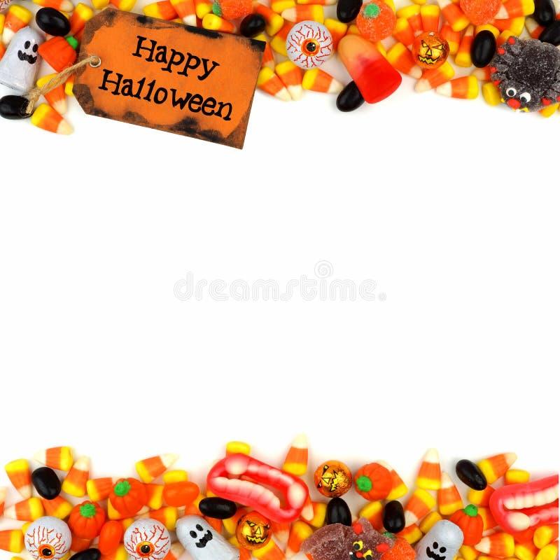 Etiqueta del feliz Halloween con la frontera del doble del caramelo sobre un fondo blanco imágenes de archivo libres de regalías
