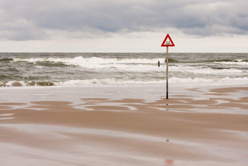 Etiqueta del peligro en el Mar del Norte imagenes de archivo