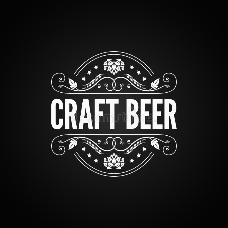 Etiqueta del vintage de la cerveza Logotipo de la cerveza del arte en fondo negro libre illustration