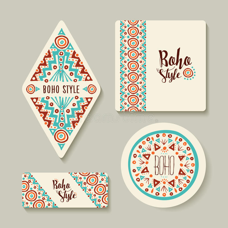 A etiqueta ou as etiquetas do estilo de Boho ajustaram-se com arte tribal ilustração stock