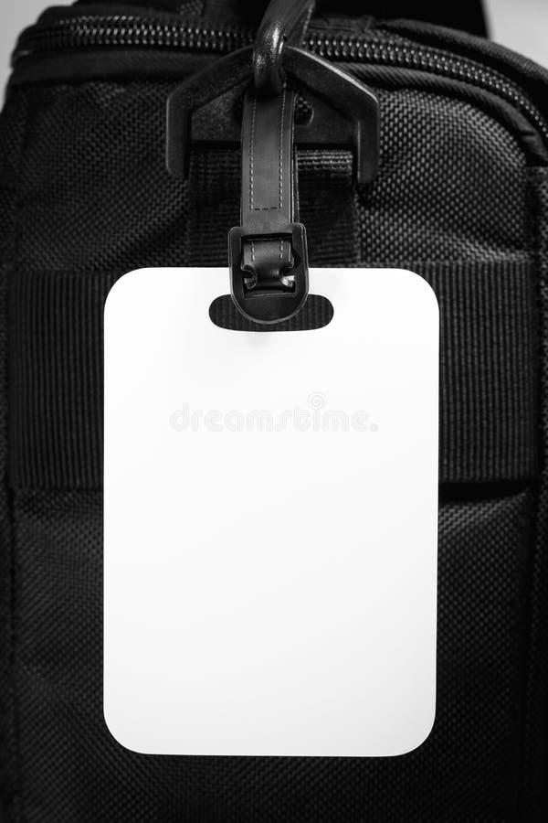 Etiqueta vazia da bagagem com saco do curso Cartão vazio para o projeto fotos de stock
