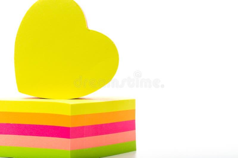 etiquetas Etiquetas coloridos em um branco fotos de stock